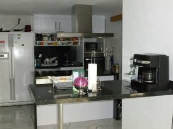 Fully equipped kitchen with everything you can think of